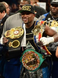 Floyd Mayweather Jr Favorite Car Boxer Music Movie Color Hobbies Biography , informations and more on Celebrity. Floyd Mayweather, Kickboxing, Muay Thai, Jiu Jitsu, Boxing Images, Image Swag, Boxing Posters, Boxing History, Boxing Champions