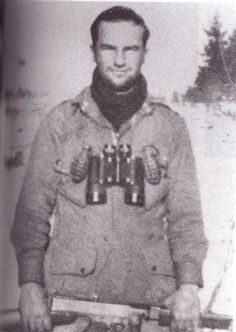 Ronald Speirs was a pit-bull of a soldier, distinctively tough, exceptional and intimidating. He was the last commander of the legendary Easy Co, PIR, Airborne (the Band of Brothers) Military Photos, Military History, Military Memes, Military Personnel, Lewis Nixon, 101st Airborne Division, Art Of Manliness, Band Of Brothers, Paratrooper