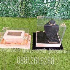 Tempat Uang dan Tempat Perhiasan Kekinian ❤️❤️❤️ Stok terbatas  Rp. 160.000/pcs . .  Untuk pertanyaan dimohon tidak comment di IG karena sering tertumpuk, silahkan langsung menghubungi admin Zivie / Admin Anik yang ramah dan baik hati ❤️❤️❤️ WA 0881.261.6288 ( Admin Zivie) WA 0821 3477 0484 (Admin annie #souvenirpin #souvenirmugkeramik #souvenirpayung #souvenirpisaubuah #souvenirpembukabotol #souvenirkalender #souvenirasbak #souvenirmangkok #souvenirtempatlipstik #souvenirplacemate…
