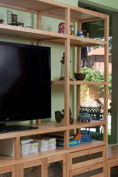 Biblioteca madera y chapa - estantes + puertas + cajones + baúl Muebles Living, Bookshelves, Ideas Para, Divider, Sweet Home, Room, House, Furniture, Home Decor