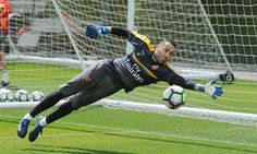 Petr Cech injury hands David Ospina surprise FA Cup final start for Arsenal