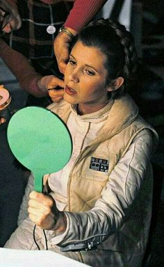 Star Wars: The Empire Strikes Back Carrie Fisher Behind the Scenes - Star Wars Princesses - Ideas of Star Wars Princesses - Star Wars: The Empire Strikes Back Carrie Fisher Behind the Scenes Star Wars Art, Star Trek, Leia Costume, Costumes, Princesa Leia, Star Wars Princess Leia, The Phantom Menace, The Empire Strikes Back, Carrie Fisher