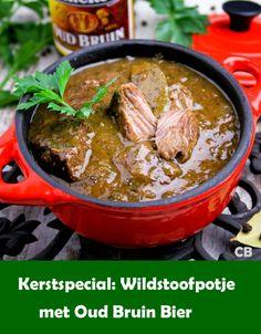 Deze stoofpot van hertensukade met oud bruin bier is verrukkelijk en heel makkelijk te maken! En stressvrij! Dat komt doordat je het stoofvlees de dag voor kerst al helemaal kunt bereiden. De stoofpot wordt zelfs lekkerder als hij een dagje staat! Vlak voor het serveren verwarm je het gerecht even in een pan en klaar! Spice Trade, Fodmap, Stew, Crockpot, Slow Cooker, Nom Nom, Good Food, Food And Drink, Menu