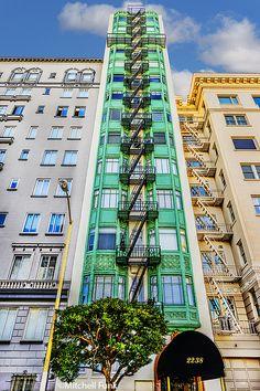 •Green Apartment Building On Russian Hill, San Francisco www.mitchellfunk.com