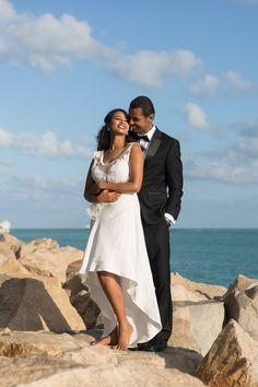 Couples Archives - Page 3 of 39 - Tova Photography - Miami Beach Photographer Family Beach Pictures, Beach Photos, Family Posing, Couple Posing, Photos Bff, Couple Photos, Wedding Groom, Bride Groom, Tumblr Sky