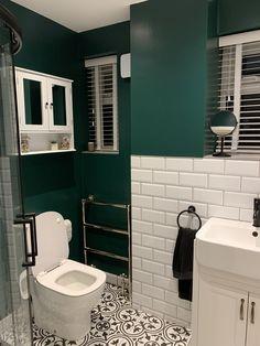 adding dark green bathroom interior tiles to your bathroom 1 - censiblehome Green Bathroom Interior, Dark Green Bathrooms, White Bathroom, Small Dark Bathroom, Green Bathroom Tiles, Upstairs Bathrooms, Downstairs Bathroom, Small Downstairs Toilet, Bad Inspiration