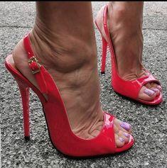 Open Toe High Heels, Hot High Heels, High Heels Stilettos, Types Of High Heels, Sexy Legs And Heels, Killer Heels, Stiletto Shoes, Women's Feet, Long Toenails