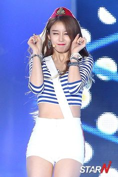http://www.t-araworld.net/2015/08/see-pictures-from-t-ara-so-crazy-the-show.html