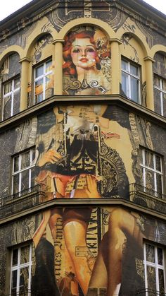Amsterdam-based collage artist Handiedan recently visited Berlin to add her contribution to Urban Nation's Project M, arguably one of the coolest buildings in the German capital. The arts organization...