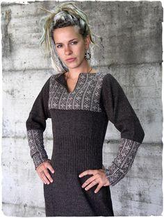 abito etnico Ornella #Vestito #etnico a maniche lunghe lavorato a mano con splendido disegno etnico. http://bit.ly/1Qq10cv #modaetnica #ethnicalfashion #alpacaswhool #lanadialpaca #peruvianfashion #peru #lamamita #moda #fashion #italianfashion #style #italianstyle #modaitaliana #lamamitafashion #moda2015 #fashion2015 #winter #winterfashion