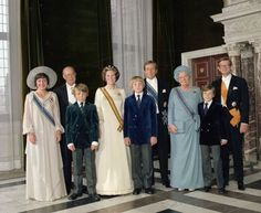 Miss Honoria Glossop:  after the Inauguration ceremony of Queen Beatrix 1980-Princess Margriet, Prince Bernhard, Prince Johan Friso, Queen Beatrix, Crown Prince Willem-Alexander, Prince Claus, the former Queen Juliana (she assumed the title of Princess again), Prince Constantijn, Peter van Vollenhoven (Margriet's husband)