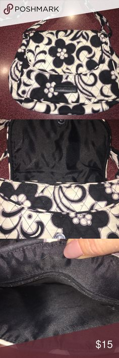 Vera Bradley crossbody black and white print, very nice! CLEAN AND SMOKE FREE! Vera Bradley Bags Crossbody Bags