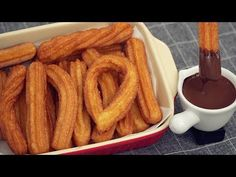Churros & Hot Chocolate Recipe [No Oven] Hot Chocolate Recipes, Melting Chocolate, Oven Recipes, Cooking Recipes, Just Desserts, Delicious Desserts, Beignets, Biscuits, Chocolate Caliente