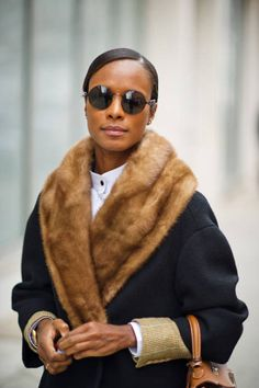 street style from NY Fashion Week. Nyfw Street Style, Street Chic, Couture 2016, Ootd, Trends, Mantel, Passion For Fashion, Beautiful Outfits, Autumn Winter Fashion