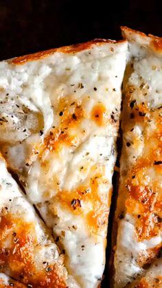 The Best Gluten-Free Pizza Crust Recipe The Best Gluten-Free Pizza Crust Recipe Kristen MOON and spoon and yum gluten-free vegetarian eats moon spoon yum GF nbsp hellip pizza videos Pizza Crust Without Yeast, Paleo Pizza Crust, Paleo Pizza Dough Recipe, Gluten Free Yeast Free Pizza, Easy Gluten Free Recipes, Tapioca Flour Recipes, Cheesy Breadsticks, Easy Pizza Dough, Sin Gluten