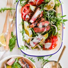 Steak Salad with Garlic and Chive Yoghurt Dressing Lunch Recipes, Salad Recipes, Healthy Recipes, Healthy Meals, Healthy Food, Healthy Cooking, Healthy Eating, Cooking Recipes, Steak Salad