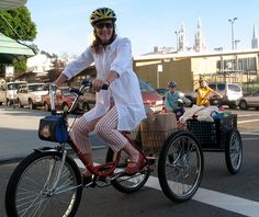 Photo from BIKE AND ROLL Bicycle Rentals and Tours in San Francisco - Bicycle Grocery Shopping by Bike and Roll San Francisco, via Flickr
