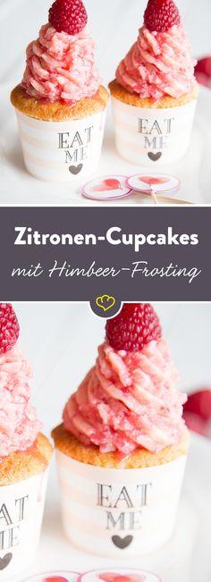 Wenn dir das Leben eine Zitrone gibt ... mach diese himmlischen Zitronen-Cupcakes daraus. On top: eine fruchtige Buttercreme aus Himbeeren.