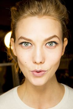 karlie kloss. Something with her tells me she has a nice, fun personality. People can be pretty without a blown up ego. This girl is something.