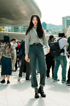 Seoul Fashion, South Korea Fashion, Tokyo Street Fashion, Korean Street Fashion, Fashion Week, Look Fashion, Korea Style Fashion, Asian Fashion, Fashion Clothes