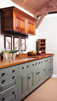 How To Paint Kitchen Cabinets In 5 Easy Steps [Kitchen Ideas, DIY Projects, DIY Home Decor, Cabinet Makeover, Kitchen Cabinets Painted] vintagekitchencabinets Vintage Kitchen Cabinets, Green Kitchen Cabinets, Farmhouse Kitchen Cabinets, Farmhouse Style Kitchen, Painting Kitchen Cabinets, Kitchen Cabinet Design, Kitchen Paint, Kitchen Layout, Kitchen Ideas