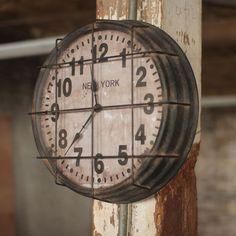Rustic New York Wall Clock - Gym, Subway, Warehouse Industrial Vintage Style Industrial Clocks, Vintage Industrial Decor, Modern Industrial, Industrial Decorative Objects, Industrial Furniture, Industrial Design, Vintage Sports Decor, Decor Vintage, Vintage Clocks