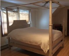 Broyhill Attic Heirlooms Poster Canopy Bed In Eggshell Color ❤️