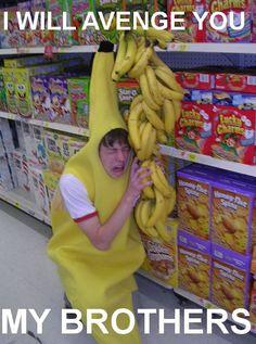 funny supermarket banana pics | funny-banana-costume-supermarket