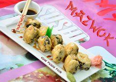Teriyaki Umi: Rollitos de basa, queso crema y ajonjolí bañados en nuestra tradicional salsa Teriyaki. Salsa Teriyaki, Sushi Love, Fusion Food, Cauliflower, Asian, Vegetables, Ethnic Recipes, Wraps, Cream Cheeses