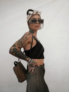 Another simple af look when the temp is delightful & you don't have to worry about Tattoed Girls, Inked Girls, Louis Vuitton Headscarf, Sexy Tattoos, Girl Tattoos, Anklet Tattoos, Piercings, Rocker Chic, Spring Summer Fashion