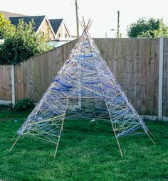How to make a Yarn Teepee (Tipi) How to make a Yarn Teepee (Tipi)Take Your Party to the GroundTuindesign: 20 Geweldige ideeën voor een tuinfeest!