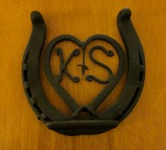 Lucky in Love Welded Metal Horseshoe Heart with Personalized Initials - Perfect Individualized Wedding Present Horseshoe Projects, Horseshoe Crafts, Horseshoe Art, Metal Projects, Welding Crafts, Welding Projects, Western Crafts, Western Decor, Horse Crafts