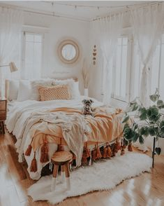 Room Ideas Bedroom, Home Decor Bedroom, Bedroom Inspo, Bedroom Designs, Cozy Bedroom, Bohemian Bedroom Design, Eclectic Bedrooms, Blue Bedrooms, Bohemian Bedroom Decor