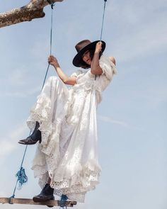 The boho chic dressing and styling idea is the one that is originated as per your desires and feelings of looking trendy and stylish, and to progress with the… Gypsy Style, Boho Gypsy, Bohemian Style, White Maxi Dresses, Spring Dresses, Boho Chic, Boho Outfits, Fashion Outfits, Fashion Clothes