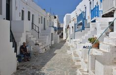 Folegandros Greece: Compare to other Greek Islands 10 Year Anniversary, Travel Light, Meeting New People, Greek Islands, Places To Go, Old Things, Street View, World, Travel Ideas