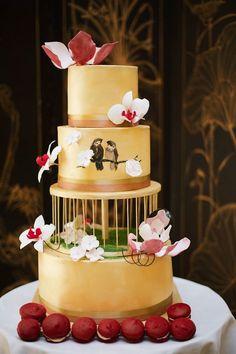 Elegant Wedding Cakes With Vintage Touches - MODwedding