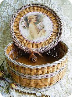 Поделка изделие Декупаж Плетение Шкатулочки  Бумага Клей Салфетки Трубочки бумажные фото 18