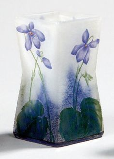 Auguste and Antonin Daum , French glassmakers: Ecole de Nancy Art Nouveau, Art Deco, Antique Glass, Antique Art, Cristal Art, Sweet Violets, Crushed Glass, Vases, China Painting