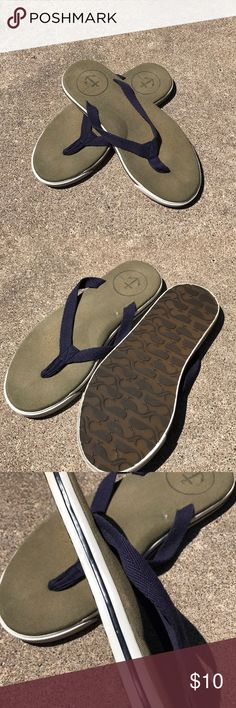 Men's J.Crew flip flop sandals Cotton upper Fabric footbed with arch J. Crew Shoes Sandals & Flip-Flops