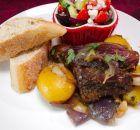 Μπριζόλες μοσχαρίσιες με σάλτσα τυριού, μουστάρδας, μανιταριών | Συνταγές - Sintayes.gr Recipies, Beef, How To Make, Food, Recipes, Chef Recipes, Cooking, Meat, Essen
