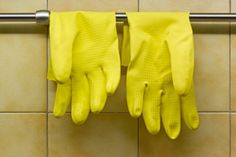 Rubber Gloves To keep your own home from becoming fur-lined and dander-ridden, the trick is simple: Dampen a pair of rubber gloves, and rub ...