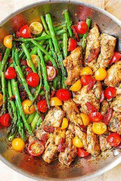 pesto chicken, chicken dinner, chicken recipes, chicken thighs, boneless skinless chicken thighs, vegetables, gluten free dinner