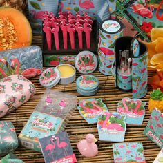 Kolekce Flamingo - krásné kosmetické doplňky s motivem plameňáka #flamingo #beauty #accessories