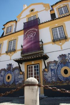 Manor House Museum - Periquita wine by José Maria da Fonseca, is the oldest portuguese table wine, enjoyed for its fruity, spicy character.