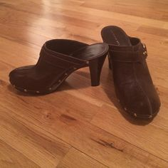 Antonio Melani Shoes Brown leather shoes with wooden outsole. Size 7.5 ANTONIO MELANI Shoes
