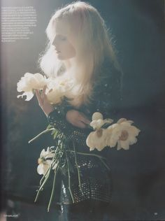 Tim Walker for Vogue UK I would say probably my favourite photographer. Definitely my favourite Fashion Photographer. I want to live in his photos. Richard Avedon, Editorial Photography, Art Photography, Fashion Photography, Soft Light Photography, Photography Flowers, London Photography, Tim Walker Photography, Foto Fantasy