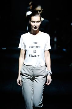 4dd7d11a8b O futuro é feminino pra Prabal Gurung Passarela