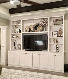 Living Room Built Ins, Accent Walls In Living Room, New Living Room, Tv Wall Cabinets, Living Room Cabinets, Entertainment Wall Units, Living Room Entertainment Center, Basement Furniture, Home Fireplace