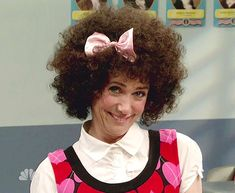 Kristin Wig as Gilly...halloween costume this year?? lol
