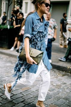 Street Style de New York Fashion Week Primavera Verano 2016 Fashion Mode, Denim Fashion, New York Fashion, High Fashion, Womens Fashion, Fashion Weeks, Street Style Chic, Mode Jeans, Women's Jeans